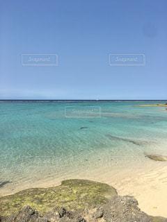 沖縄の透明ビーチの写真・画像素材[1125049]
