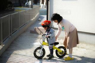 自転車,屋外,親子,子供,練習,男の子,ママ,トレーニング,フォトジェニック