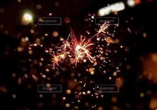 空の花火の写真・画像素材[2781772]