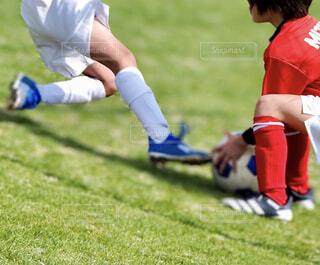 サッカーの足もとの写真・画像素材[4413594]