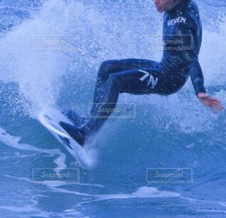 サーフボードの足もとの写真・画像素材[4419194]