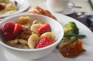 食品のプレートの写真・画像素材[1165765]