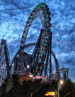 夜の遊園地の写真・画像素材[1198735]