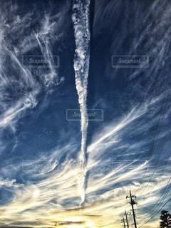 縦長の雲の写真・画像素材[1223890]