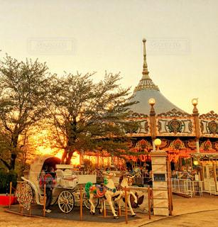 遊園地の🎡 夕暮れどきの写真・画像素材[1269336]