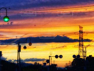 空,夕日,雲,影,車窓,夕陽,雨上がり