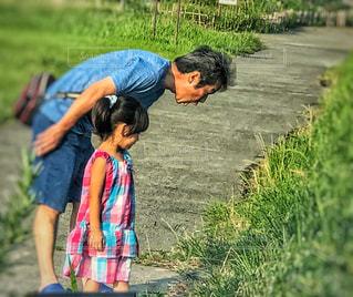 草原,親子,夏休み,発見,びっくり