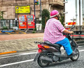 車道を走るバイク🏍の写真・画像素材[1452115]