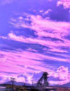 空,夕日,ピンク,雲,夕暮れ,影,シルエット,爽やか,屋根,風,夕陽,残暑,神奈川県,初秋