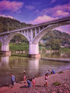 橋,雲,親子,川,水面,子供,河原,遊ぶ,秋空,石橋,空の日
