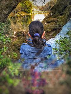 花,木,池,撮影,デニム,セミロング,ヘアゴム,カール,結ぶ,ゆるふわパーマ