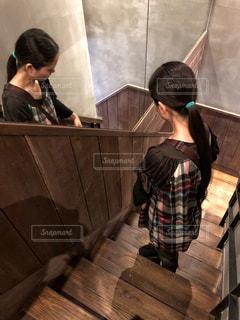 鏡に映るの写真・画像素材[1631596]