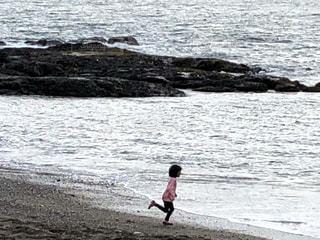 砂,岩場,波,水面,海岸,子供,ホワイトカラー