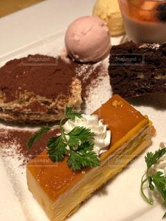 ケーキ,茶色,室内,デザート,皿,バレンタイン,プリン,チョコケーキ,色合い