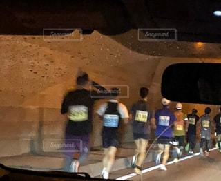 走る,旅行,トンネル,ジョギング,ランニング,マラソン,ミラー,運転,小雨,トレーニング,車窓から,午前,徐行運転