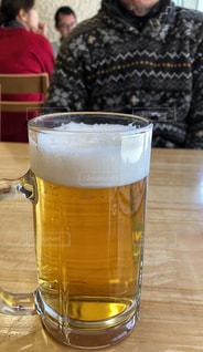 黄色,室内,テーブル,ビール,店内,泡,乾杯,ジョッキ,フォトジェニック,お客さん
