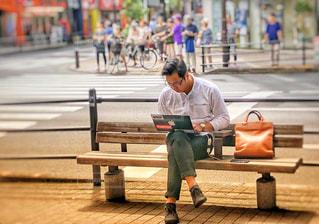 屋外,東京,ベンチ,都会,ビジネス,大都市,リモートワーク,ビジネスシーン
