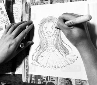 屋内,イラスト,モノクロ,室内,白黒,デザイン,勉強,描く,自宅,イメージ,江戸時代,単色,自習,学習,両手,持つ,塗る,画用紙,独学,カラーペン,自宅学習,自力,水性ペン,ケント紙,外出自粛,アマビエ,疫病退散