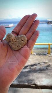 夏,ビーチ,かわいい,晴れ,青空,手,ハート,石,出会い,偶然