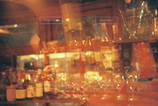 バーでのひとときの写真・画像素材[1628785]