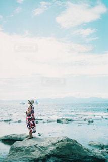 女性,20代,海,空,夏,ワンピース,青,帽子,江ノ島,フィルム,フィルムカメラ,お出かけ,フィルム写真,フィルムフォト