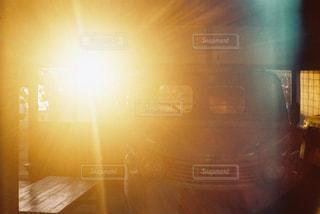 夕焼けのある部屋の写真・画像素材[2439917]