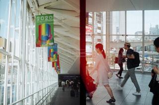 女性,20代,渋谷,フィルム,スナップ,フィルムカメラ,フィルム写真,感光,ハーフカメラ,フィルムフォト