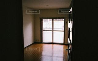 ガラスのドアの写真・画像素材[2985005]