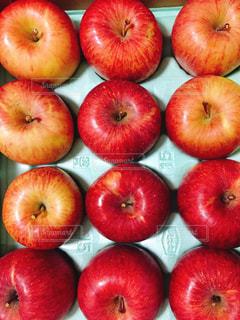 真っ赤な果実の写真・画像素材[916992]