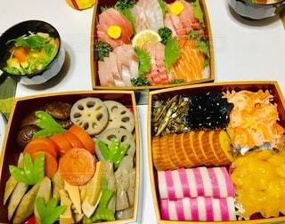 お節料理と雑煮の写真・画像素材[4056641]