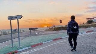 風景,空,屋外,朝日,道,人,スペイン,日の出,巡礼路,サンティアゴ・デ・コンポステーラ,カミーノ・デ・サンティアゴ
