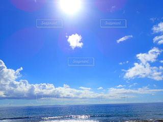 空には雲のグループの写真・画像素材[1131555]