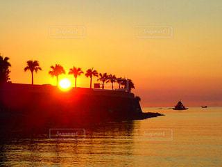 夕日,夕焼け,沖縄,サンセット,沖縄の景色,恩納村,キレイな夕焼け