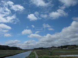 雲流れ行くの写真・画像素材[1131726]