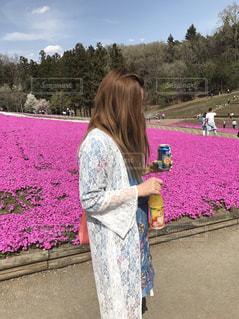春,屋外,晴天,人物,芝桜,暖かい,春コーデ