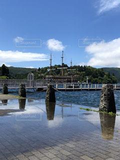 水の体の上の橋 - No.1247734