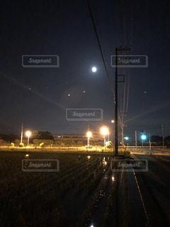 夜の街の景色の写真・画像素材[1477855]