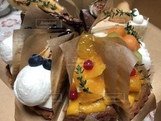 皿の上の食べ物の写真・画像素材[1486810]