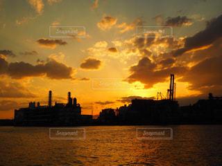 夕日,夕焼け,工場,機械