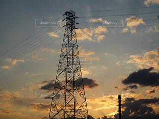 鉄塔と夕日の写真・画像素材[1268661]