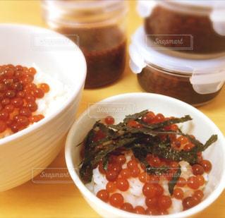 贅沢朝食!いくらご飯!の写真・画像素材[1168581]