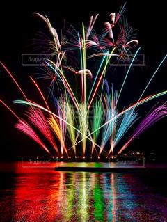 空に花火の写真・画像素材[1546157]