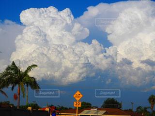 もくもく嵐の前兆の写真・画像素材[1135193]