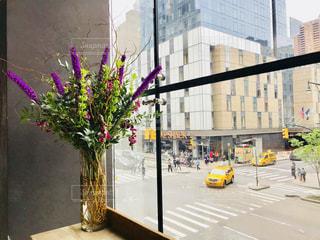 ニューヨーク、カフェの花の写真・画像素材[1213460]