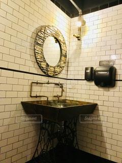 レストランの洗面所の写真・画像素材[1249449]