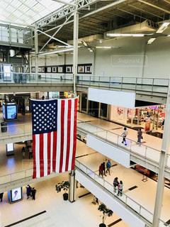 ショッピングモール内の星条旗の写真・画像素材[1264274]