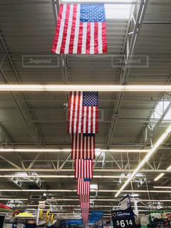 マーケット内の星条旗の写真・画像素材[1265947]