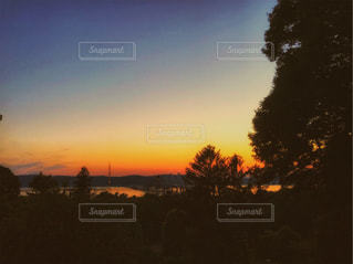 夕暮れ時のハドソン川の写真・画像素材[1278656]