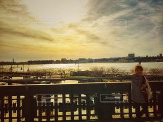 風景,空,建物,夕日,ニューヨーク,屋外,夕暮れ,景色,日差し,女の子,光,人,桟橋,マンハッタン,ハイライン,フォトジェニック,ハドソン川,インスタ映え
