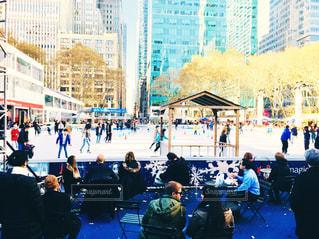風景,公園,建物,冬,ニューヨーク,スポーツ,ビル,木,屋外,アメリカ,景色,観光,椅子,都会,人,旅行,運動,マンハッタン,ライフスタイル,フォトジェニック,観覧席,ブライアントパーク,リンク,アイススケート,インスタ映え